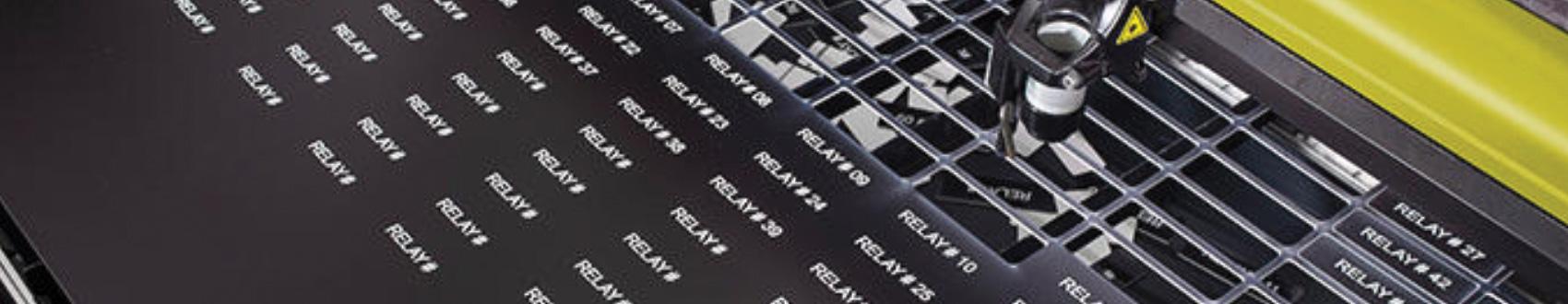 Banner Fertigungsverfahren Lasern